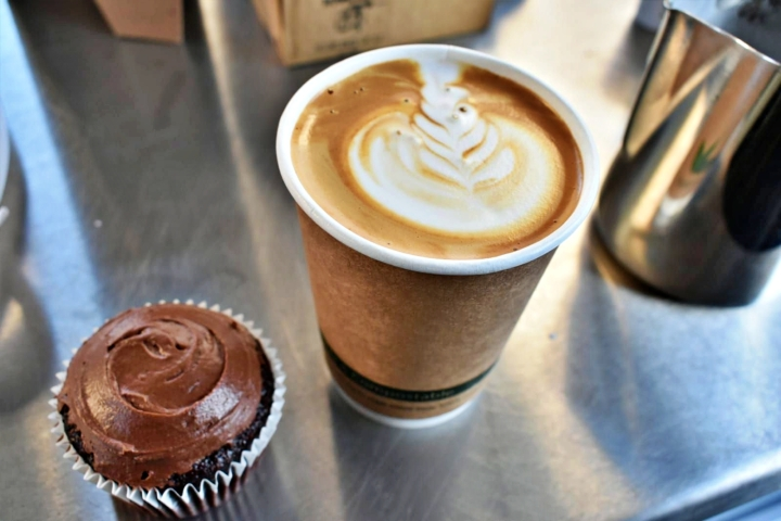 Honiton Market - Cup Cake & Coffee